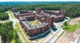 Jak wygląda Nikiszowiec z drona? To największe osiedle, jakie powstało w Polsce w ramach programu Mieszkanie Plus. Sprawdź CENY NAJMU