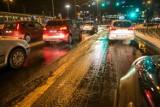 Ostrzeżenie IMGW. Oblodzenie jezdni, gołoledź na drogach. Alert pierwszego stopnia w 14 województwach