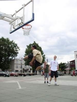 Miłośnicy street ball zaprezentowali swoje umiejętności.