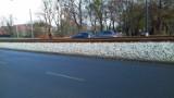 Nowe torowisko wzdłuż ul. Bernardyńskiej w Bydgoszczy jeszcze nie działa, a już się sypie