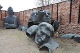 Ruda Śląska: Zobaczcie te ogromne pomniki w Muzeum PRL! Tam zatrzymał się czas