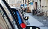 Toruń. Brakuje darmowych parkingów! Miejscy radni interweniują u prezydenta w imieniu mieszkańców z różnych dzielnic