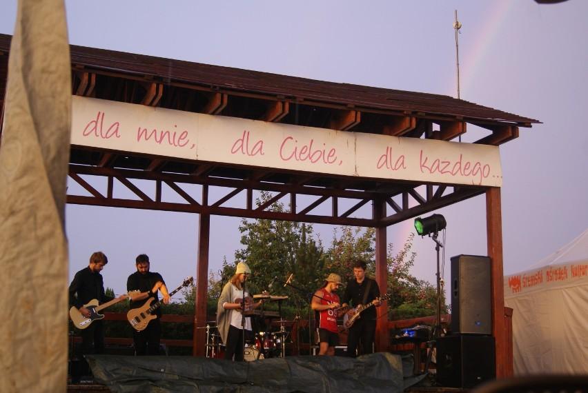 Koncert zespołu Ciabatta na plaży miejskiej w Śremie