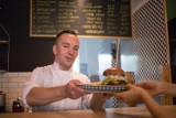 Najlepsze burgery w Warszawie. Znamy zwycięzców wielkiego warszawskiego plebiscytu! [PRZEGLĄD]