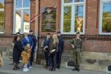 W Przemyślu odsłonięto tablicę i mural poświęcone Polakom ratującym Żydów, Michałowi Krukowi i Marii Grzegorzewskiej [ZDJĘCIA]