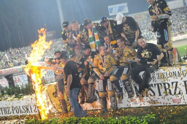 W październiku 2011 roku żużlowcy Falubazu Zielona Góra sięgnęli po szósty w historii klubu tytuł drużynowego mistrza Polski.