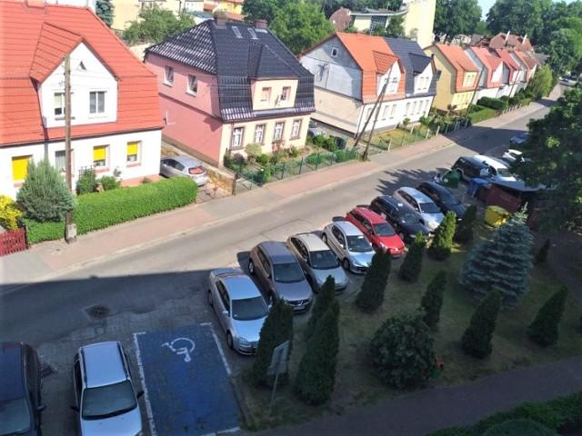 Mieszkańcy Alei Róż w Goleniowie po remoncie tej ulicy będą mieli problem ze znalezieniem miejsca parkingowego