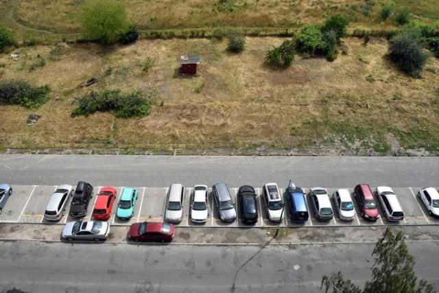 Na Koperniku w Legnicy powstaje kolejny parking.