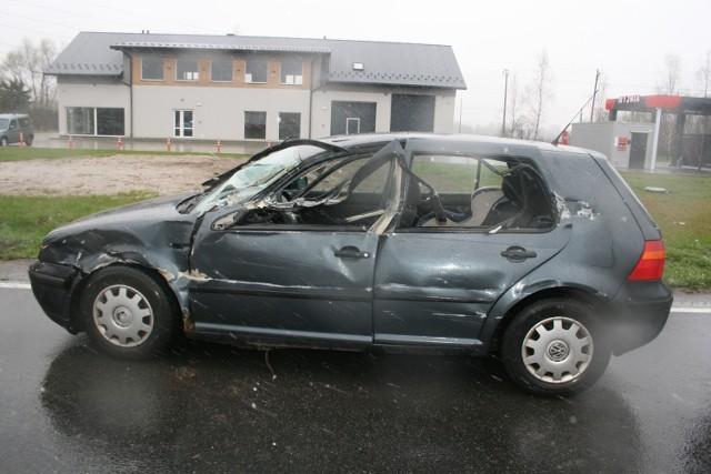 Na drodze 44 w Palczowicach (gm. Zator) samochód osobowy najechał na tył tira