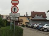 KROTOSZYN: Chodnik dla wybrańców? Co dalej z zakazem poruszania się pieszych na osiedlu Szarych Szeregów?
