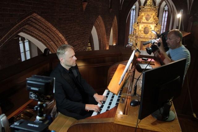 Koncert V Festiwalu Muzyki Organowej i Kameralnej w Grudziądzu w Bazylice św. Mikołaja. Wystąpili tenora Łukasz Załęski, a przy klawiaturze organów zasiadł Dariusz Hajdukiewicz