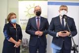 Adam Niedzielski w Sosnowcu. Minister zalecił noszenie maseczek na cmentarzach. Czy wprowadzone zostaną nowe obostrzenia?