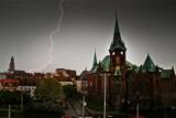 Ostrzeżenie meteo. Nad Wrocław nadciąga burza z gradem. Uważajcie! [GDZIE JEST BURZA?]