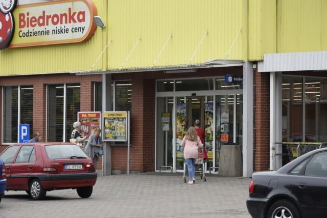 Mieszkańcy na zakupach