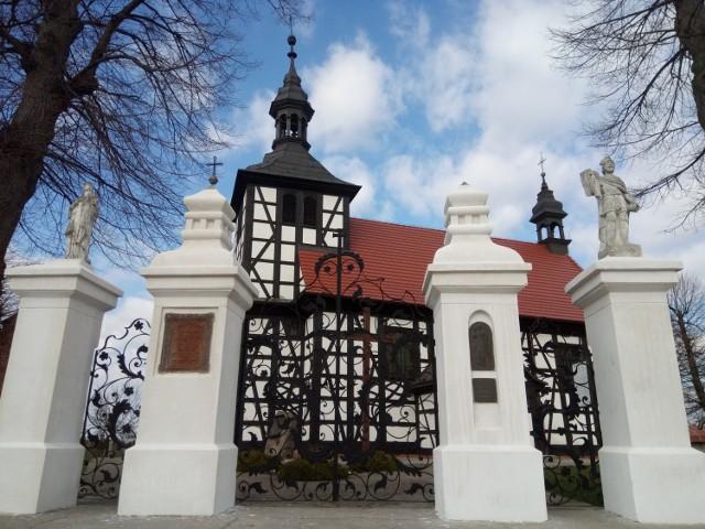 Gmina Gołuchów. Zabytkowy kościół pw. św. Floriana w Jedlcu