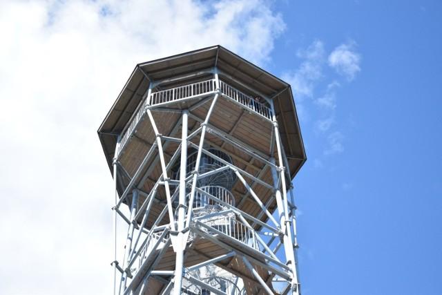 Uroczystość otwarcia nowej wieży widokowej poprowadził Starosta Kłodzki - Maciej Awiżeń.  Powstała wieża widokowa na Kłodzkiej Górze, jest częścią szlaku grzbietowego, prowadzącego przez najatrakcyjniejsze punkty widokowe Sudetów.  Kłodzka Góra o wysokości 762,7 m n.p.m., jest to drugi pod względem wysokości szczyt Gór Bardzkich, położony w ich południowo-wschodniej części.