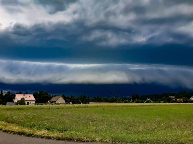 W piątek (16 lipca) znów może zagrzmieć. Gdzie jest burza w Tarnowie? Sprawdź radary meteo