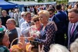 Zbylitowska Góra. Prezydent RP Andrzej Duda wraz z żoną Agatą Kornhauser-Duda na dożynkach gminnych pod Tarnowem [ZDJĘCIA]
