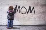 """Dzień Matki 2021: Kultowe teksty, których używa każda Mama. Ty też słyszałeś, że """"traktujesz dom jak hotel""""?"""