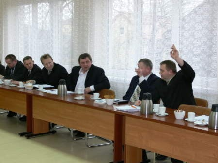 Głosowanie pokazało jak bardzo radnych dzieli sprawa kopalń kruszywa. Fot. Marcin Pacyno