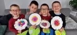 Rodzice czworaczków z Bydgoszczy proszą o pomoc na kontynuację terapii chłopców