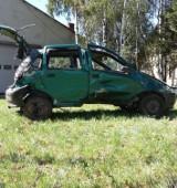 Gmina Dobrzyca. 41-letni kierowca wjechał do rowu i uderzył w drzewo. Miał 2,5 promila alkoholu w organizmie
