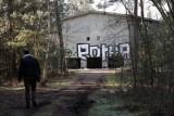 Powojskowe obiekty ukryte w lasach między Legnicą, a Lubinem. Co tam było?