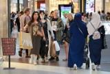 Łodzianie chcą stacjonarnych zakupów w centrach handlowych, a ograniczenia im przeszkadzają. Czy będzie kolejny lockdown?