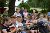 GÓRA. Uczestnicy sekcji przy ZPK w Wąsoszu śpiewem i grą pożegnali wspólny sezon nauki [ZDJĘCIA]