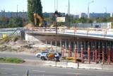 Trwa gruntowny remont wiaduktu na Ostrobramskiej. Jak postępują prace?