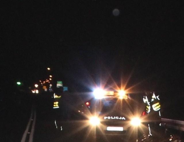 Tej nocy karetki kilka razy wyjeżdżały do wypadków drogowych