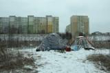 Bezdomni zimą w Łodzi. Nie bądźmy obojętni. Może to uratować kogoś przed zamarznięciem