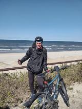 Nauczyciel z Sieradza kręci kilometry nad morzem. Celem Krynica Morska ZDJĘCIA