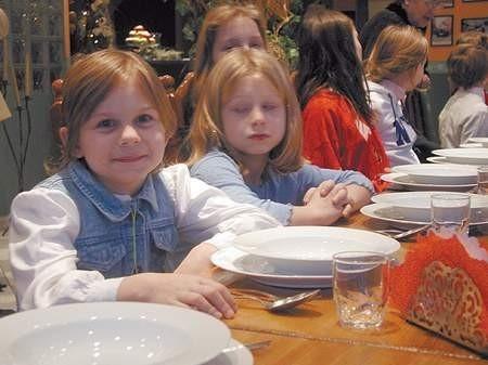 Na kolację podano tradycyjnego karpia, kapustę z ziemniakami i makówki. Fot: MAGDALENA CHAŁUPKA
