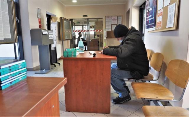 W koszalińskim Powiatowym Urzędzie Pracy na chętnych czeka około 300 ofert - w firmach produkcyjnych, w branży budowlanej, ale też np. w przedszkolach.