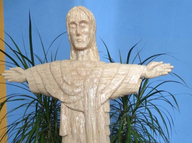 Rzeźba Chrystusa wykonana z 80 tys. zapałek przez Mariana Zbieraka z Pawłosiowa.
