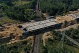 Budowa drogi S3 pod Lubinem. Z perspektywy lotu ptaka inwestycja wygląda kosmicznie