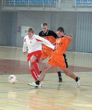 W pierwszym meczu dąbrowianie remisowali z drużyną z Bielska–Białej. Olgierd Górny