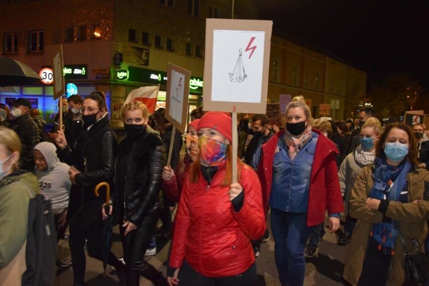 Protest Kobiet. W piątek marsz kobiet odbędzie się w Skokach