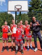 Tytuły mistrzowskie dla koszykarzy Szkoły Podstawowej nr 9 w Skierniewicach ZDJĘCIA