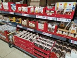 Na półkach już Boże Narodzenie - słodycze świąteczne w dyskontach można kupić choć dopiero zaczął się październik