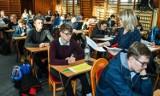 Próbny egzamin maturalny w VI LO w Bydgoszczy [zdjęcia]
