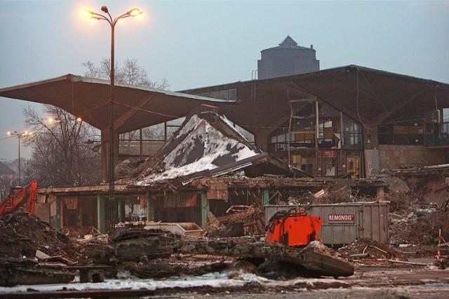 W grudniu 2019 minie 9 lat od rozbiórki brutalistycznego dworca PKP w Katowicach