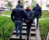 Częstochowska policja zatrzymała 27-latka, który był poszukiwany pięcioma listami gończymi