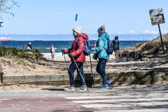 Wielu mieszkańców Trójmiasta postanowiło aktywnie spędzić sobotni dzień (25 kwietnia) na plażach, w parkach czy lasach.