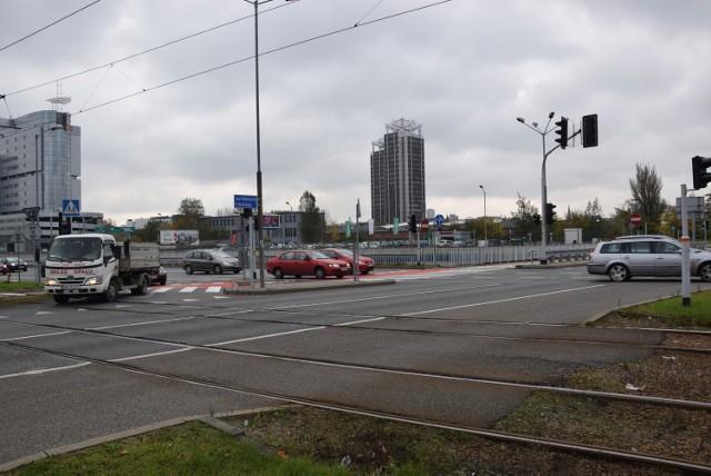 Kilka tygodni temu zakończyła się budowa przejazdów rowerowych przez ul. Chorzowską