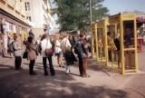 Niezapomniane lata 90. Nie uwierzycie, że tak wyglądały małopolskie miasta. To inny świat! [ZDJĘCIA]