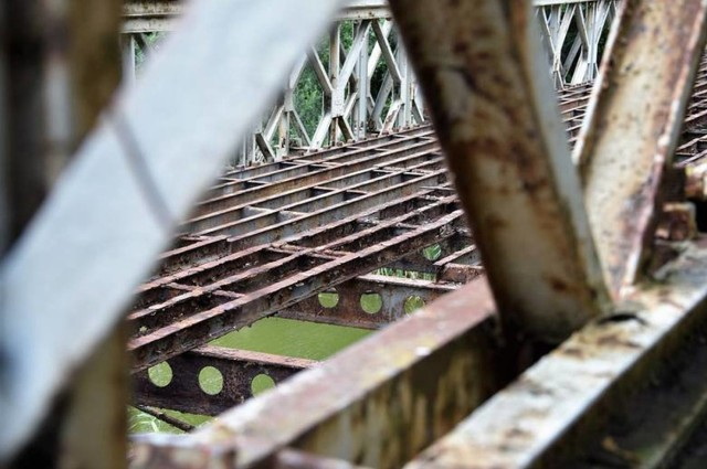 Tak dziś prezentuje się zamknięty most w Kobylnikach