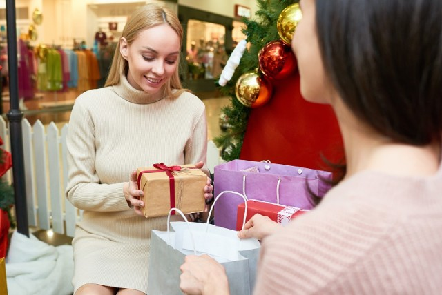Zrób zakupy świąteczne z Allegro. Ogromny wybór, brak kolejek, świetne ceny i dostawa za 0 zł