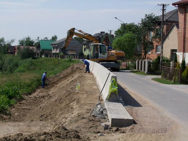 W 2011 r. ukończono dwa etapy prac przeciwpowodziowych.  Na 30 listopada przewidziano koniec ostatniego